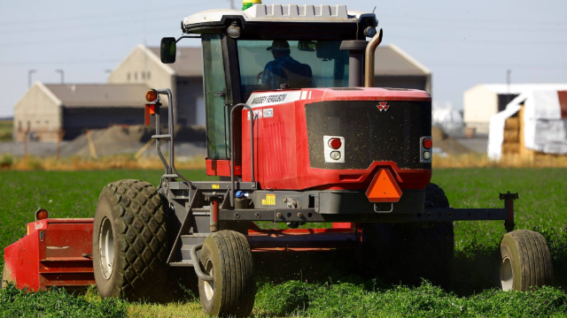 ml-lead_Home_gallery_Tractor